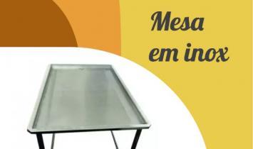 Mesa da Rica Nata é com Bordas de aço inox 304
