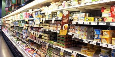 Relatório recente mostra danos rápidos aos nutrientes do leite pela luz