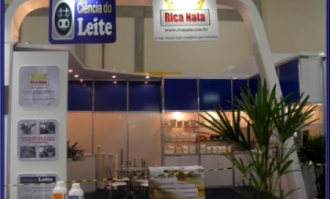 Rica Nata e Site Ciência do Leite no Minas Láctea 2013