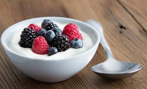 Iogurte pode ter efeito no tratamento da depressão, diz estudo