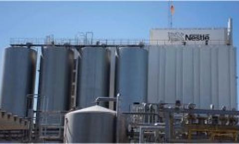 Nestlé anunció inversiones por $5.200 millones y desembarcó en el mercado de la leche líquida en Argentina