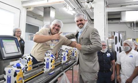 Puerto Rico: Gobernador anuncia la primera leche fresca de larga duración